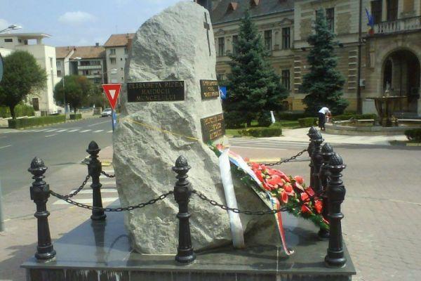 monumentul-luptatorilor-anticomunisti-186A2FDBC-F647-A270-B141-9818968A6E7C.jpg