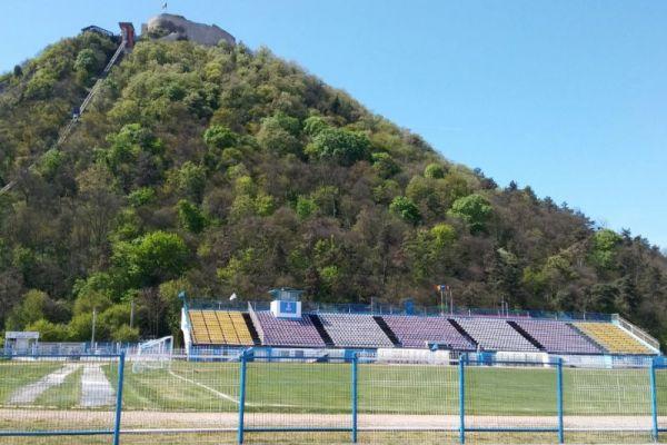 stadion-cetate-06F70A648-1B14-C2FC-4BF9-C05FF0E606A2.jpg