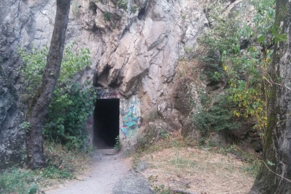 tunel-39AA7F562-483A-8596-9312-3DCDA5B607FB.jpg